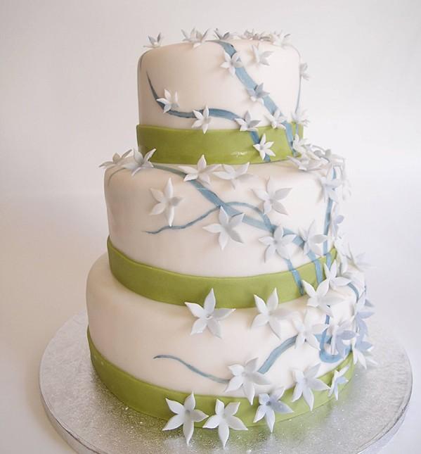 Hochzeitstorte 3-stöckig grün-grau. Foto: Anett Noster White Rabbit Bremen
