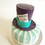 Alice-Hochzeitstorte mit Hut. Foto: Anett Noster White Rabbit