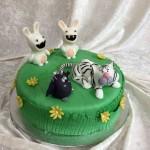 Zwei Hasen, Katze und Fledermaus. Foto: White Rabbit Bremen