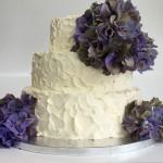 Dreistöckige Torte mit Hortensien. Foto: White Rabbit Bremen